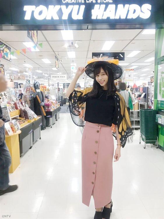 お茶目な山本萩子アナ!