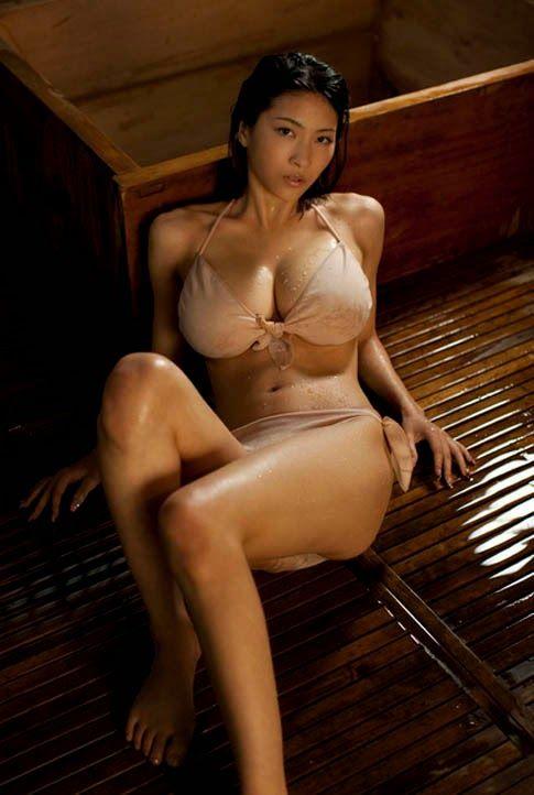 Asian Hot Bikini Girl Pictures | Indiandesi.In