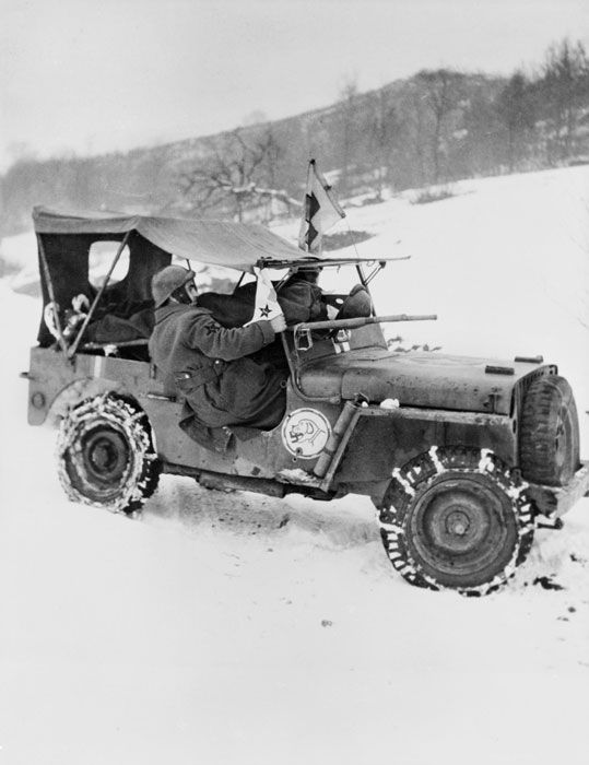 First aid Jeep Pommiès Franc in the Thur                     valley, on the Alsace front.