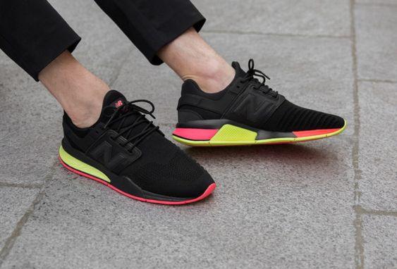 chaussure-new-balance-247-v2-black-solar-yellow-on-feet