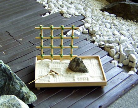 miniature zen garden zen gardens and zen on pinterest. Black Bedroom Furniture Sets. Home Design Ideas