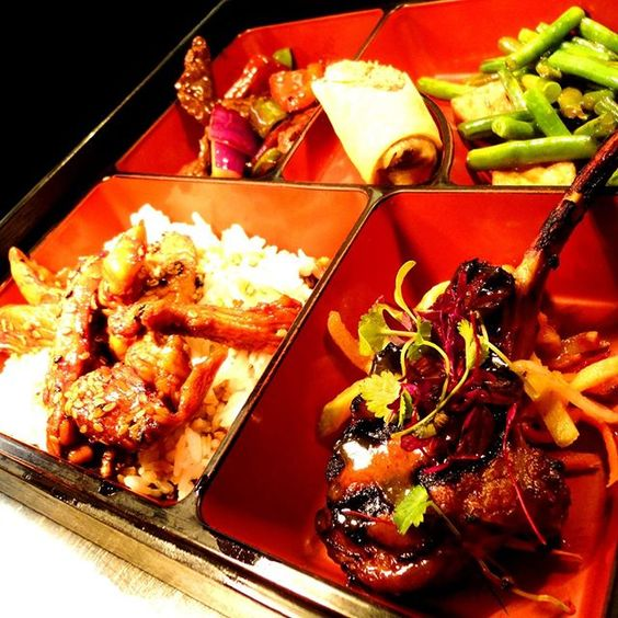 Want meaty, filling & quick lunch? Try Meat Lunch Bento Box at @cocochanw1! Char-Grilled Lamb Cutlet, Teriyaki Chicken, Duck Roll dim sum, Wok Black Pepper Beef & more, with a choice of soup on side = only £15.50! There are also vegetarian (£13.50), seafood (£16.50) & sushi (£17.50) options to choose from, and available until 3:30pm - pop in beforehand to enjoy it today! (^_−)☆