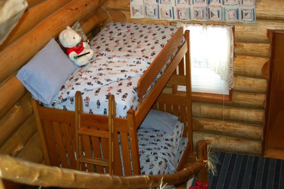 Pinterest the world s catalog of ideas for Log cabin style bunk beds
