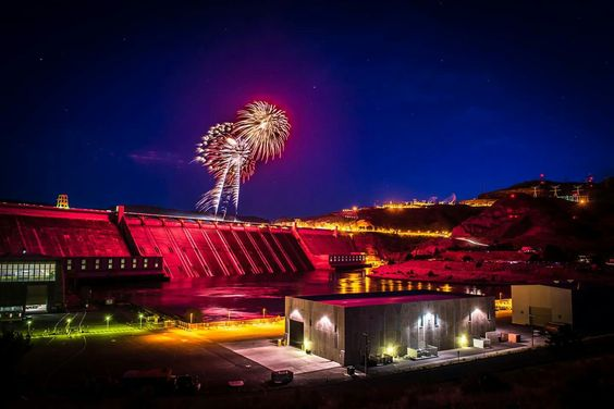 Fireworks over Grand Coulee Dam, July 4, 2016 as seen from third power house work area.