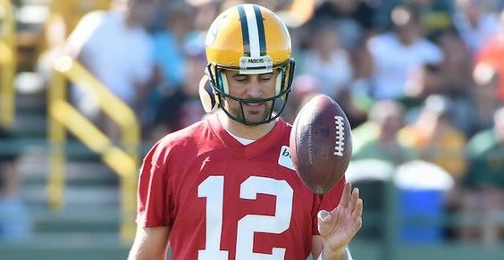 Packers QB Aaron Rodgers named Vegas favorite to win NFL MVP