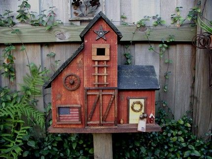Country+Bird+Houses | ACOUNTRYWAY 's birdhouse is very quaint and trimmed up nicely. A ...