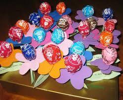 Tootsie pop flowers