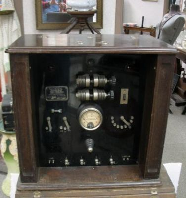 1920 era quack medical diatherm shock therapy / science laboratory case machine