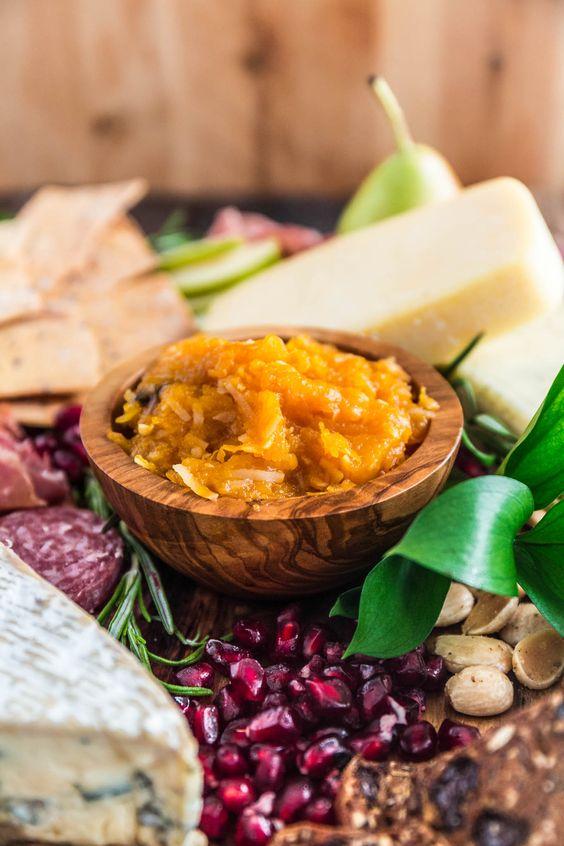 Fall-Ernte Cheese Board |  www.oliviascuisine.com |  Es gibt nichts einfacher und zuverlässiger als ein Käsebrett, wenn eine Party-Hosting.  Mit der Herbstsaison auf uns und Thanksgiving um die Ecke, dachte ich, es würde Spaß machen, um ein Tutorial zusammengestellt, wie man einen schönen Herbst-Ernte Cheese Board einrichten, so dass Sie wow Ihre Gäste während der Ferienzeit.