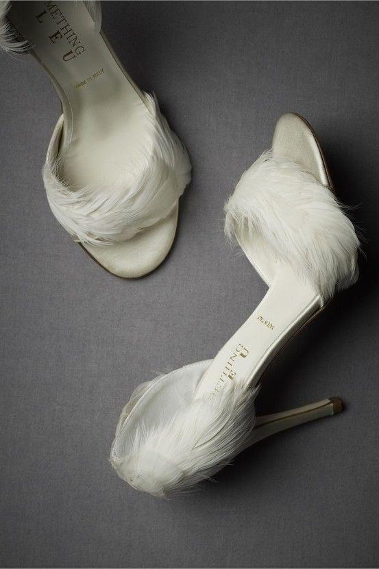 Escarpins à plumes  BHLDN 340€
