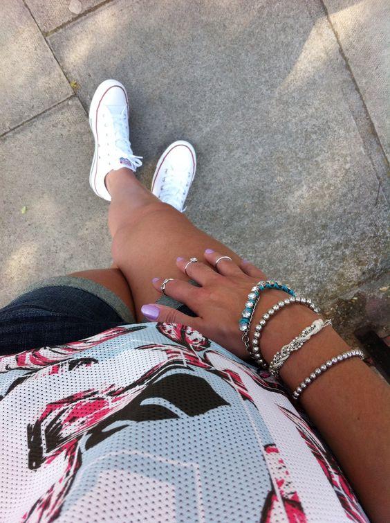 Soon on the blog!  #details #ootd #accessories #converse   Em breve no blog! #detalhes #hoje #lookdodia #acessórios