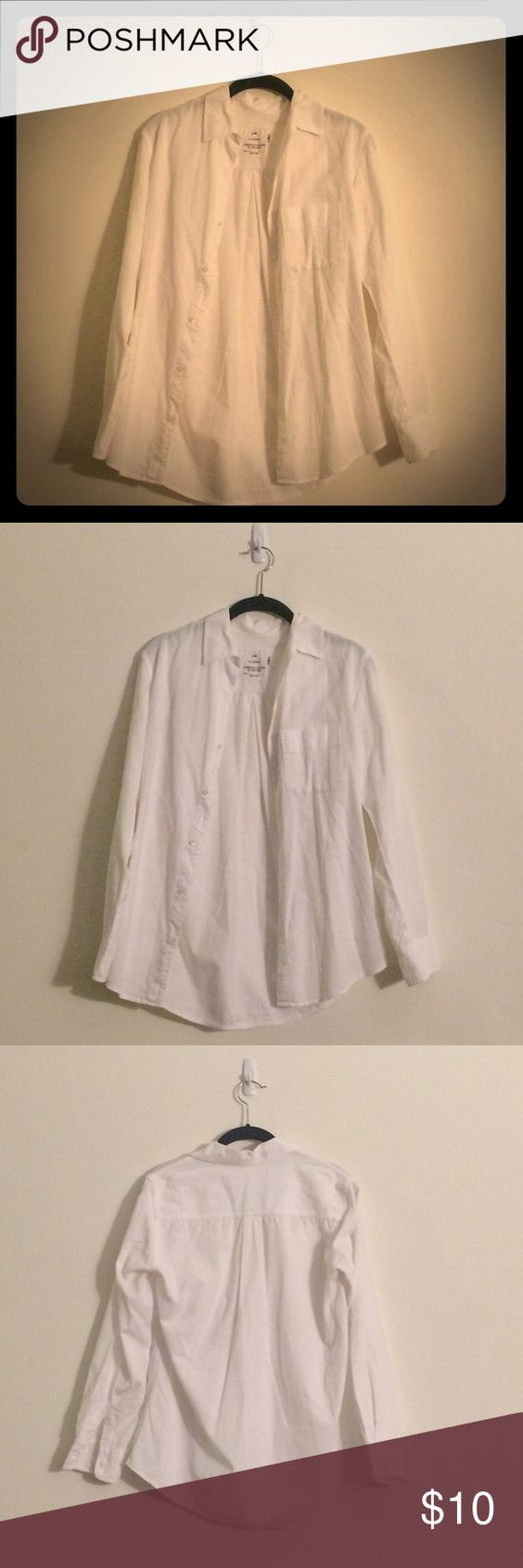 White corduroy-style button down shirt White corduroy style white button down shirt by Alex Lehr for American Colors. Shirt is medium weight with a nice texture and in good used condition. 100% cotton. American Colors Tops Button Down Shirts