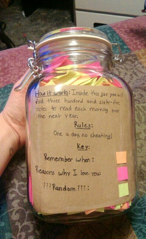 Jar Note A Day For Days Great Gift For An Anniversary - Boyfriend puts 365 love notes jar girlfriend read year
