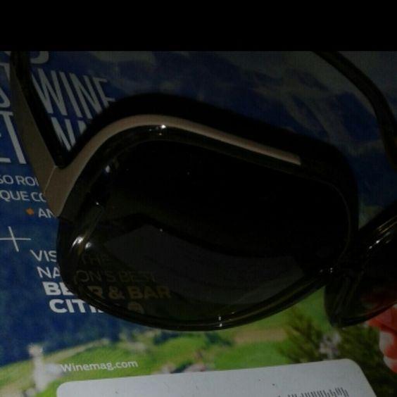 Diane Von Farstennburg Taupe&  Brown sun glasses wide lens Diane von Furstenberg Accessories