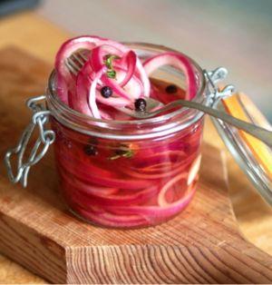 Pickles de cebola roxa