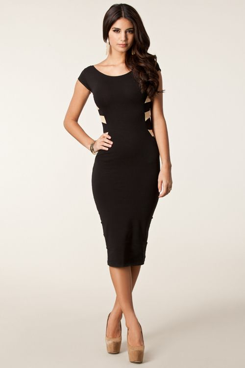 Slinky Short Sleeve Boat Neck Below the Knee Length Dress with ...