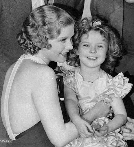 Shirley Temple and Dorothy Dell,1934.