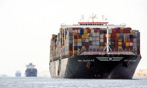 4 4 مليون طن حمولات قياسية تحققها قناة السويس Suez World Trade Egypt