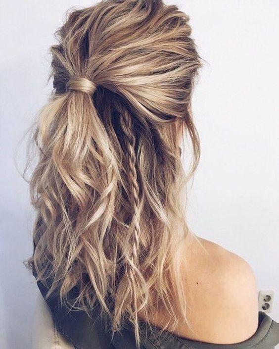 Everyday Look Chic Half Updo In 2020 Medium Hair Styles Medium Length Hair Styles Easy Hairstyles For Long Hair