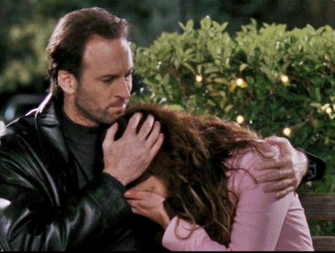 10 Luke and Lorelai Moments that will Tug Your 'Gilmore Girls' Heartstrings- this would be better as a Buzzfeed article but whatever