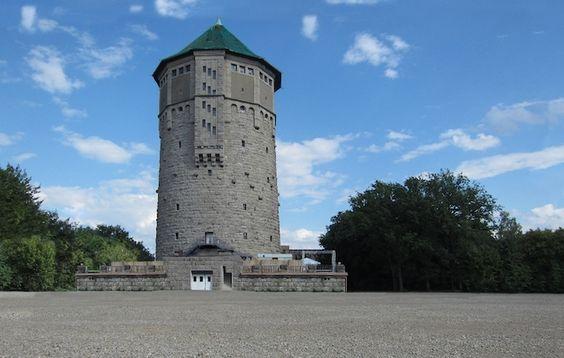 Der Wasserturm in Hannover überzeugt mit einer märchenhaften Kulisse.