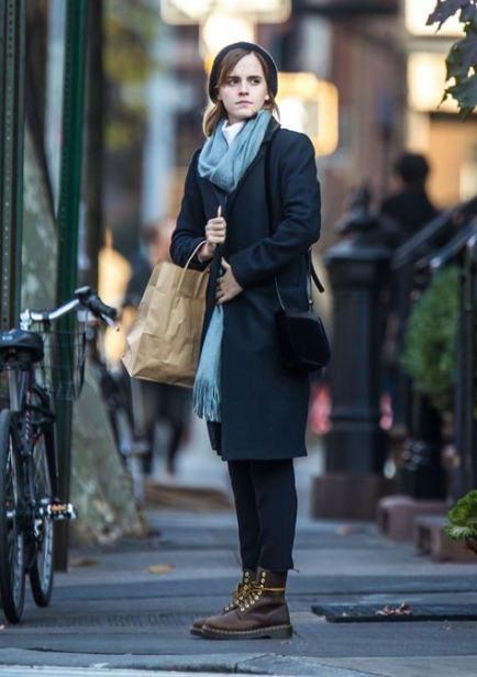 Style Street Emma Watson 15 New Ideas In 2020 Emma Watson Casual Emma Watson Outfits Emma Watson Style Casual