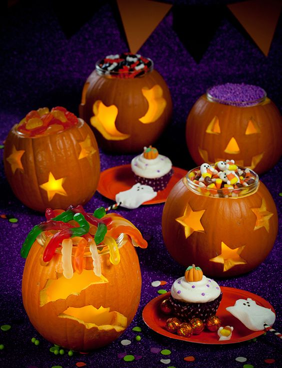 A clever Halloween Party DIY - use pumpkins as candy bowls.: Pumpkinfest Halloween, Pumpkin Candy, Pumpkin Stuff, Candy Bowl