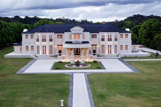My dream house where I'd raise a big family #dream ☺