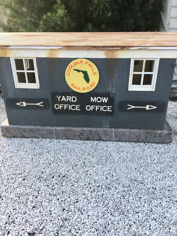 yard office road side