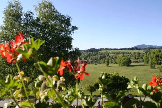 Sommermorgen im Juni, Blick vom Parkhotel über den Soier See auf die Ammergauer Alpen ** Summer morning in June, view from the Parkhotel to lake Soien and the Ammergau Alps, Bavaria