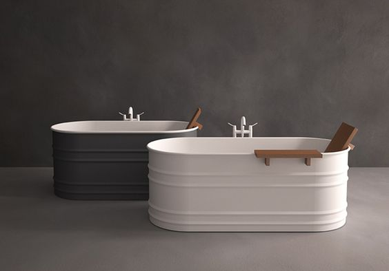 OMG.  Love.  Growing up at my grammas the bathtub was a large galvanized tub.  Out back in the smear. In the kitchen in the winter.  Agape, Vieques Bathtub