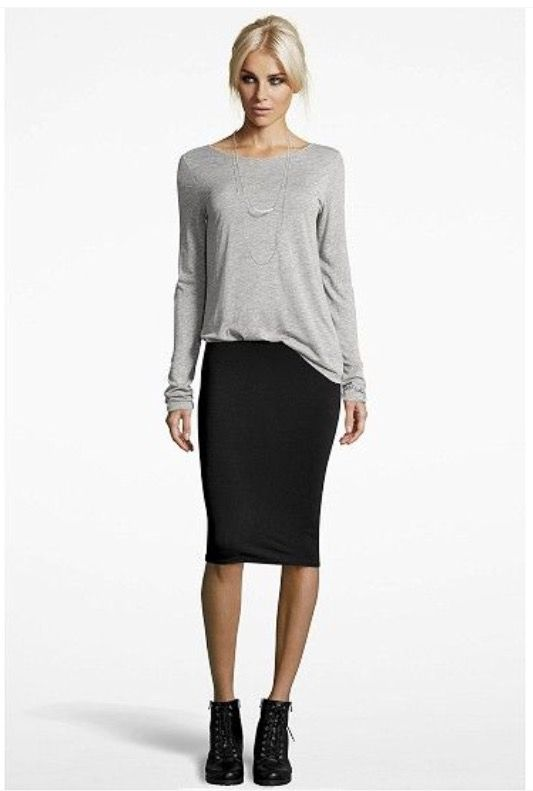 Slouchy tshirt + pencil skirt + ankle boots = love this outfit: