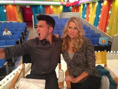 The Price Is Right (PriceIsRight) on Twitter - This photo cracks us up! Rob Wilson w Rachel Reynolds on the set of The Price Is Right! #RobWilson #RachelReynolds #PriceIsRight #Models #LOL