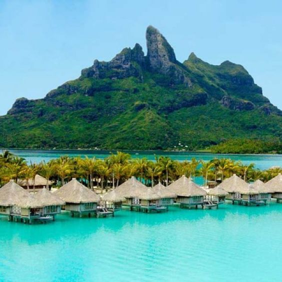 Tahiti Accommodation Over Water Bungalows: Bora Bora Resorts, Tahiti And Maui On Pinterest