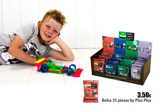 Bolsa con 35 piezas Plus Plus.