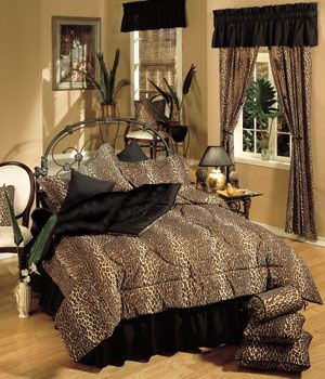 Animal prints leopards and animal print bedroom on pinterest for Cheetah themed bedroom ideas