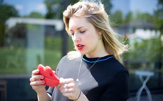 """Bisher dachte Johanna: """"Pff, für Dates brauche ich doch keine App"""" – dann…"""