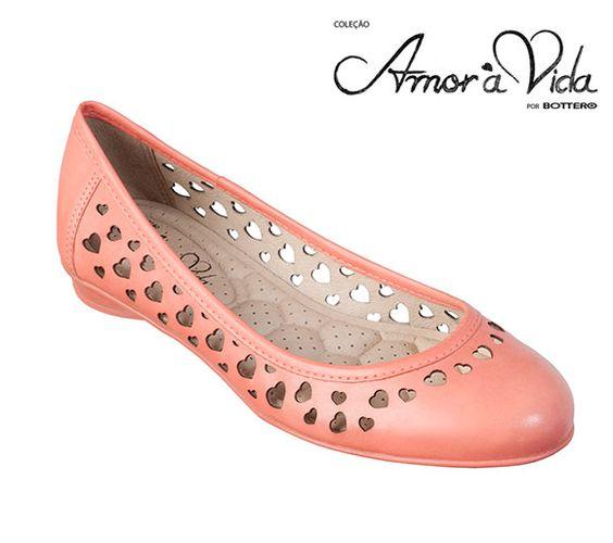 Inspirada na Paulinha, a sapatilha Amor à Vida é perfeita para mulheres de estilo romântico.