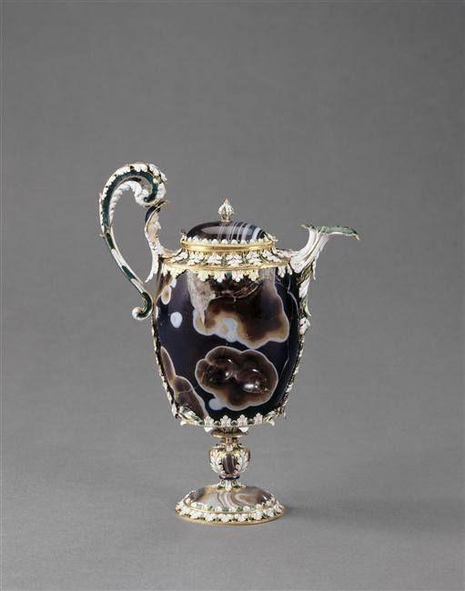 Aiguière en sardoine, entrée dans la collection de Louis XIV avant 1673 - Pierre: 1er av J.C.-1er siècle ap J.-C; monture: Paris, vers 1665 - Paris, Musée du Louvre:
