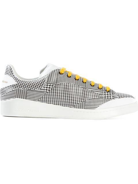 Shop Alexander McQueen houndstooth sneakers in Russo Capri from the world's best independent boutiques at farfetch.com. Shop 300 boutiques at one address.