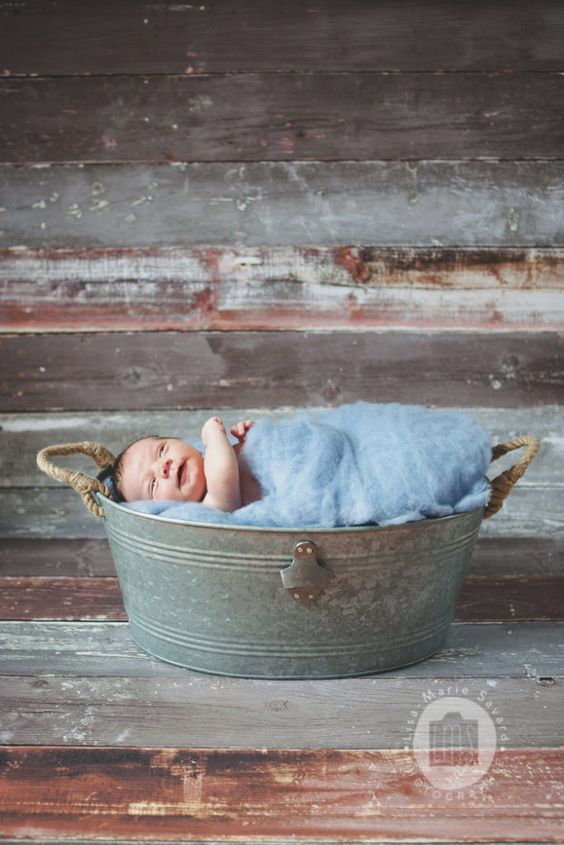 Little boy newborn session basket felted fur Lemondrop Rustica Light. Séance…