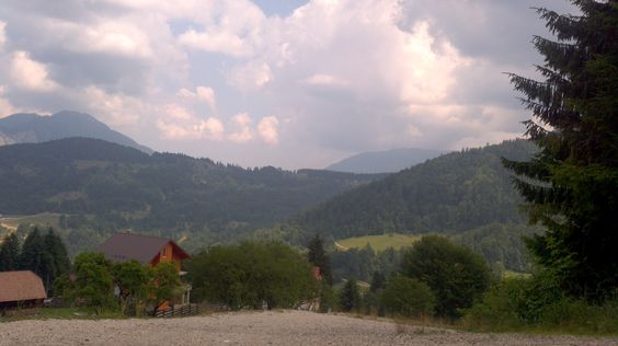 A caminho do castelo de Peles na Roménia