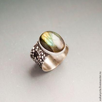 Кольца ручной работы. Ярмарка Мастеров - ручная работа. Купить Кольцо из серебра с лабрадором Олива душистая RES. Handmade.