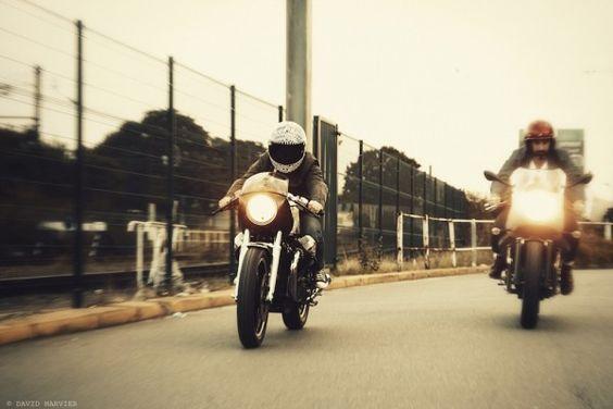 Quand Ed Turner révèle une nouvelle moto, il s'agit toujours d'un événement. Alors quand il s'agit d'un double projet…Attention !
