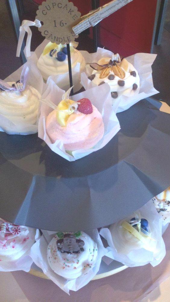 cupcake candles. so cute.