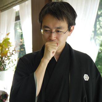 紋付き袴を着ている羽生善治のかっこいい画像
