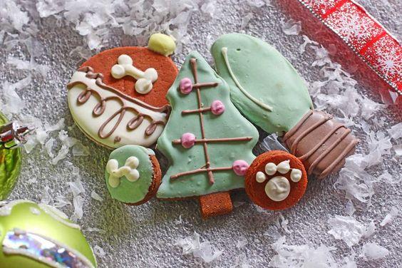 Bone Appétit Bakery - Trim-A-Tree, $9.99 (http://www.gottreats.com/gourmet-treats/seasonal/trim-a-tree/)