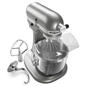 Kitchen Aid Pro 500 Series 5 Quart Bowl-Lift Stand Mixer. Oh yeah this is the one I would love to have....and my wish came true on Christmas morning :)