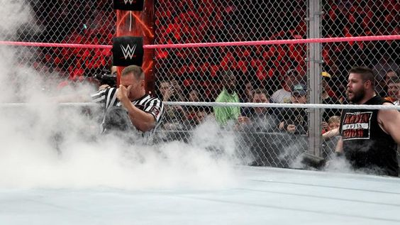 Seth Rollins vs. Kevin Owens - Lucha Hell in a Cell por el Campeonato Universal WWE: fotosSeth Rollins vs. Kevin Owens - Lucha Hell in a Cell por el Campeonato Universal WWE: fotos