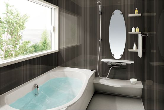 Beautiful Japanese bath: shower off before you soak ---  『お風呂リフォーム(パナソニック製)』1 pc shower unit.